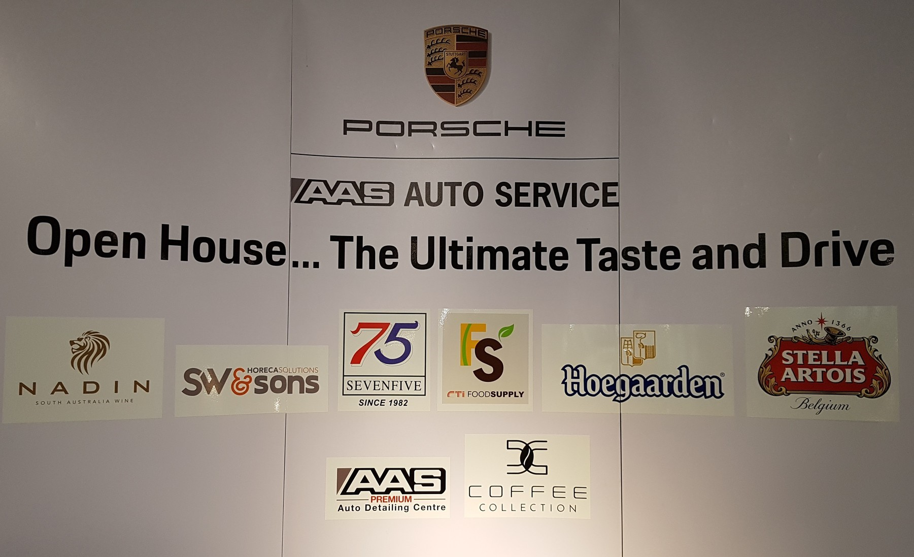"งาน "" Open House...The Ultimate Taste and Drive """